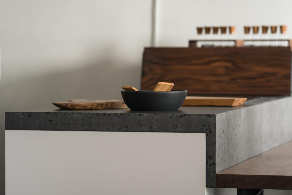 eettafel met betonlook